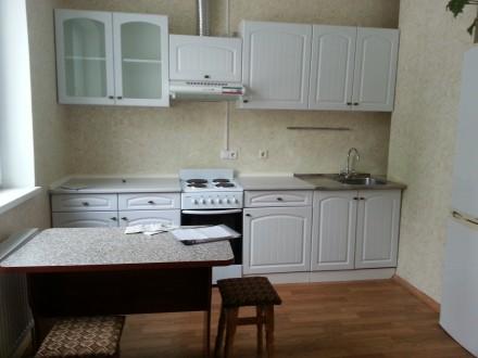 ТЕРМІНОВО здається затишна, чиста квартира у новому будинку по вул. Драгоманова . Позняки, Киев, Киевская область. фото 2