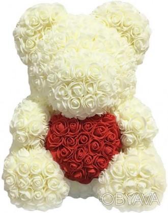 Мишка из роз Белый с сердцем 40 см