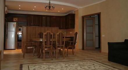 долгосрочная аренда квартира видовая квартира с дизайнерским ремонтом, укомплек. Киев, Киевская область. фото 8