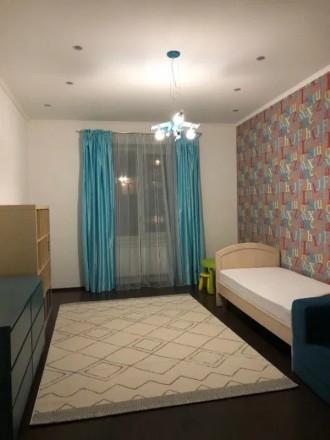 Сдам свою 3-комнатную квартиру (кухня совмещена с гостиной, две спальни) в Киеве. Киев, Киевская область. фото 9
