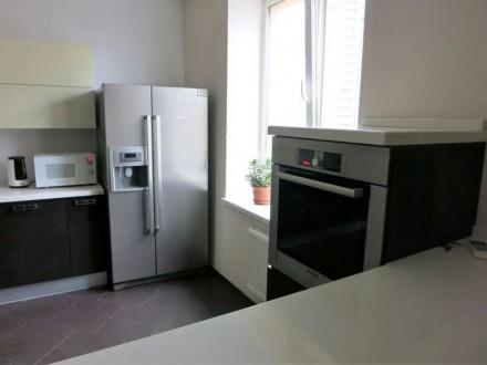 Сдам свою 3-комнатную квартиру (кухня совмещена с гостиной, две спальни) в Киеве. Киев, Киевская область. фото 5