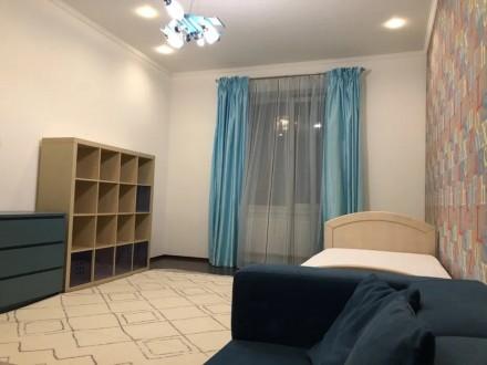 Сдам свою 3-комнатную квартиру (кухня совмещена с гостиной, две спальни) в Киеве. Киев, Киевская область. фото 10