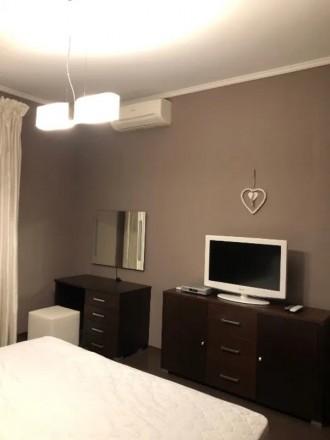 Сдам свою 3-комнатную квартиру (кухня совмещена с гостиной, две спальни) в Киеве. Киев, Киевская область. фото 7