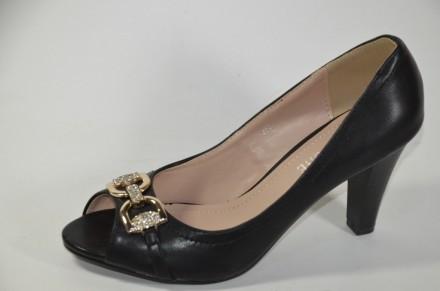 туфли с открытым носком на каблуке.. Овруч. фото 1