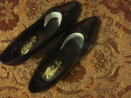 Нові лакові туфлі чорного кольору. Львов, Львовская область. фото 2