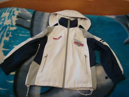 Спортивна підліткова демісезонна куртка з капюшоном.. Червоноград. фото 1