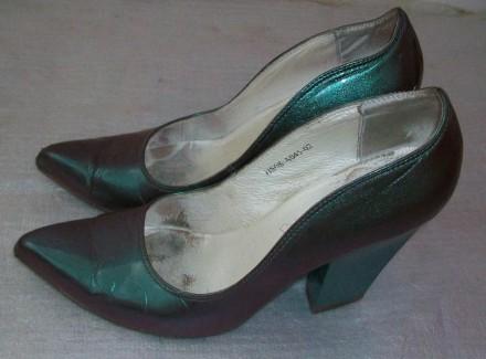 Зеленые, блестящие туфли Queen.. Александрия. фото 1