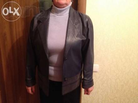 Продам . темно-синий б\у кожаный пиджак -длина пиджака 68 см, ширина спинки53 см. Кропивницкий, Кировоградская область. фото 5