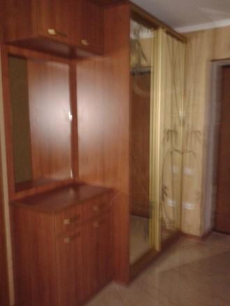 Производим корпусную мебель в т.ч. и шкафы купе от 6000 грн и зависит от размера. Житомир, Житомирская область. фото 9
