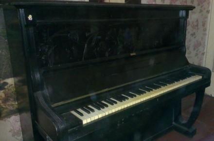 Продається піаніно