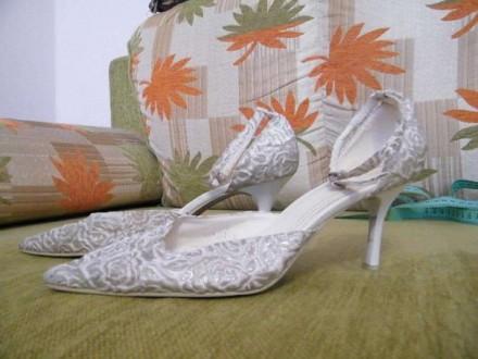 Босоножки свадебные. Новоукраинка. фото 1
