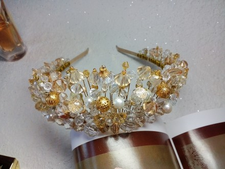 Диадема ручной работы,корона,тиара,в наличии и под заказ. Днепр. фото 1