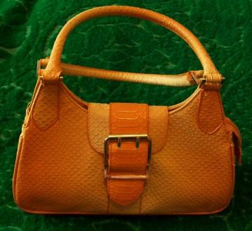 4ceab9f9fde2 Оранжевые сумки – купить женские и мужские аксессуары на доске ...