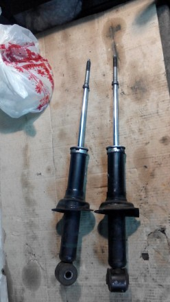 Амортизатор (стойки) на mitsubishi lanser X в Запорожье. Запорожье. фото 1
