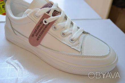 Продам лёгкие новые белые  кроссовки-туфли-мокасины.Размеры 35,36, 37.38, 39.40.