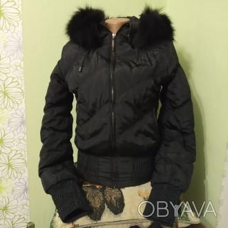 Куртка женская зимняя черная теплая с капюшоном