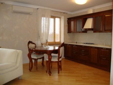 Достойная для жизни и внимания 2-х комнатная раздельная квартира по улице Генера. Голосеево, Киев, Киевская область. фото 4