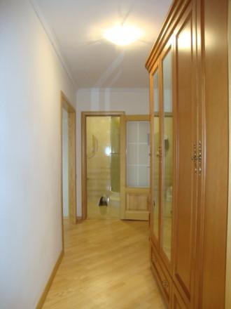 Достойная для жизни и внимания 2-х комнатная раздельная квартира по улице Генера. Киев, Киевская область. фото 12
