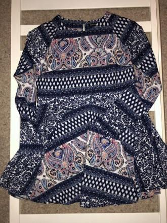 Цветное мини платье с узорами.Легкая ткань,но не тянется.Сзади застежка капелька. Кривой Рог, Днепропетровская область. фото 6