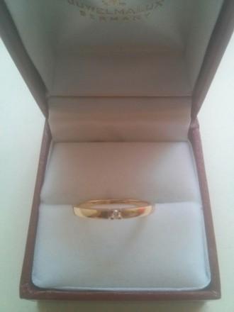 Золотое кольцо с бриллиантом. Днепр. фото 1