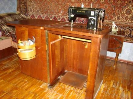Швейная машинка VERITAS в комплекте со столиком-рабочим местом. Состояние - хор. Киев, Киевская область. фото 4
