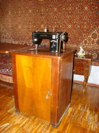 Швейная машинка VERITAS в комплекте со столиком-рабочим местом. Состояние - хор. Киев, Киевская область. фото 6