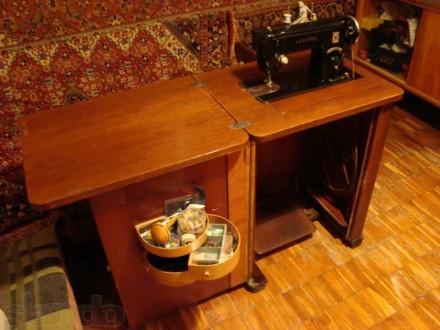 Швейная машинка VERITAS в комплекте со столиком-рабочим местом. Состояние - хор. Киев, Киевская область. фото 8