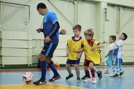 """Футбольная школа """"Лидер"""" ведет набор в группы от 3-х лет.  Мы находимся во всех. Николаев, Николаевская область. фото 9"""