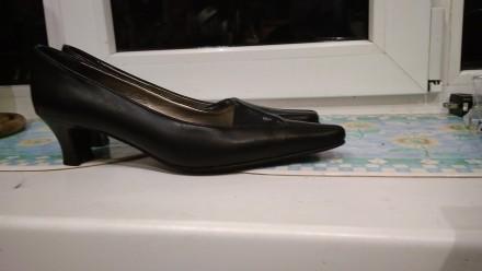 Туфли чёрные 38р.Европа в идеальном состоянии,стелька 25см,кожзам отличного каче. Кривой Рог, Днепропетровская область. фото 8