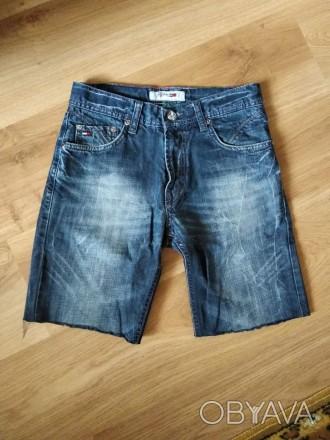 Моднячие джинсовые шорты - рванки Tommy Hilfiger, бирки нет, 100% коттон, будут . Ужгород, Закарпатская область. фото 1