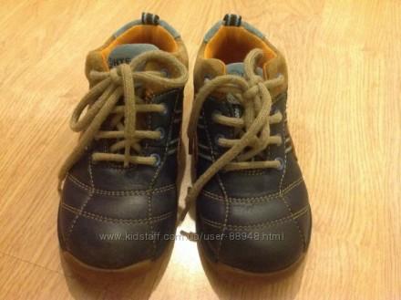 Демисезонные кожаные ботиночки Clarks 6,5 G. Состояние очень хорошее. При ходьбе. Чернигов, Черниговская область. фото 3