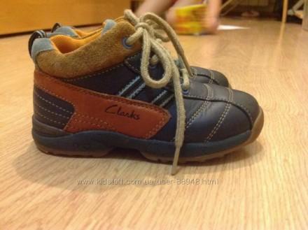 Демисезонные кожаные ботиночки Clarks 6,5 G. Состояние очень хорошее. При ходьбе. Чернигов, Черниговская область. фото 4