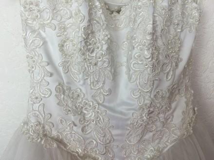 Безумно красивое пышное свадебное платье со шлейфом, верх - американка, ручная р. Киев, Киевская область. фото 4