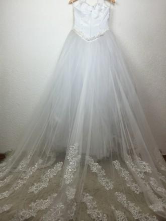 Безумно красивое пышное свадебное платье со шлейфом, верх - американка, ручная р. Киев, Киевская область. фото 8