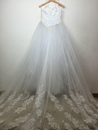 Безумно красивое пышное свадебное платье со шлейфом, верх - американка, ручная р. Киев, Киевская область. фото 2