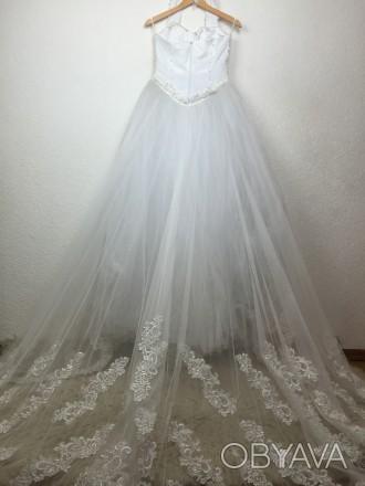 Безумно красивое пышное свадебное платье со шлейфом, верх - американка, ручная р. Киев, Киевская область. фото 1