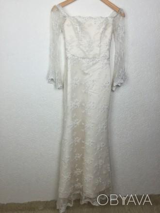 Безумно красивое кружевное свадебное платье на миниатюрную невесту, ручная работ. Киев, Киевская область. фото 1