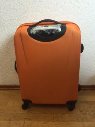 Яркий оранжевый пластмассовый чемодан обтянутый тканью с расширением в 5 см. Мат. Киев, Киевская область. фото 4