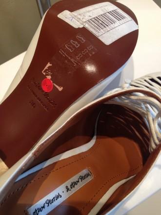 Туфли белого цвета с аккуратной имитированной шнуровкой. Бренд & OTHER STORIES. . Одесса, Одесская область. фото 8