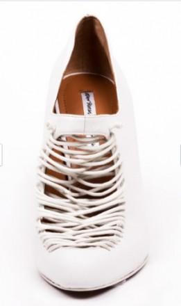 Туфли белого цвета с аккуратной имитированной шнуровкой. Бренд & OTHER STORIES. . Одесса, Одесская область. фото 7