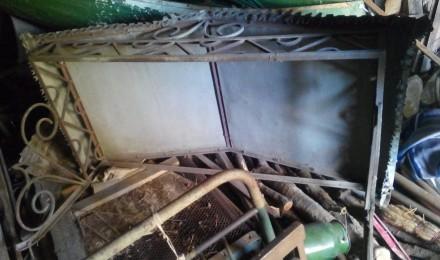 Козырек кованный, покрыт оцинковкой,  состояние хорошее хранится на даче в гараж. Запорожье, Запорожская область. фото 3
