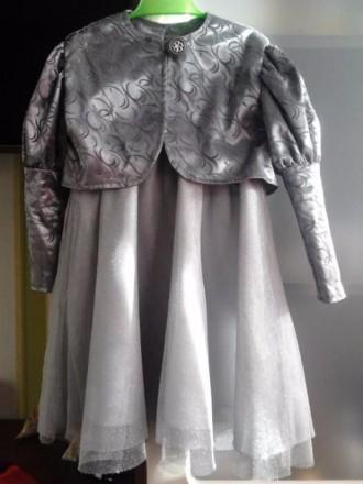 продам платье НМ на 2 -4 года. Ровно. фото 1