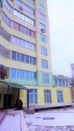 Продается  квартира в новом сданном доме. Центр города. Квартира не угловая, с . Украина, Чернигов, Черниговская область. фото 2