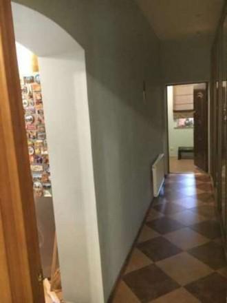 . Квартира в двухэтажном доме с огражденной территорией и местом для парковки ил. Житомир, Житомирская область. фото 5