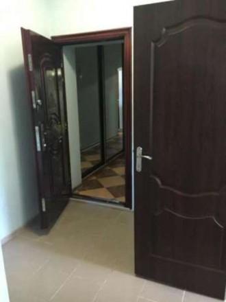 . Квартира в двухэтажном доме с огражденной территорией и местом для парковки ил. Житомир, Житомирская область. фото 11