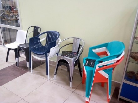 Кресло из пластика, для улицы, пляжа, бассейна, дачи. Кресло два цвета белое и к. Одесса, Одесская область. фото 7