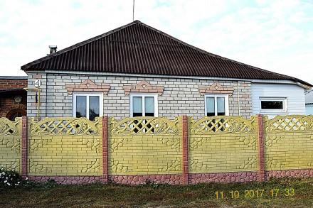 В прекрасном экологически чистом  месте предлагается хороший, добротный дом для . Коротич, Харківська область. фото 3