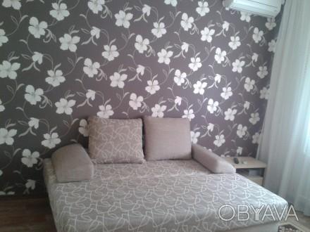 Уютная квартира 4 спальных места двухспальный диван + двухспальный диван телевиз. Лузанівка, Одеса, Одеська область. фото 1