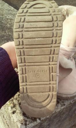 Продаємо взуття,яке на нас маленьке. Капчики на суху погоду. Легенькі, тепленькі. Ивано-Франковск, Ивано-Франковская область. фото 9