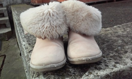 Продаємо взуття,яке на нас маленьке. Капчики на суху погоду. Легенькі, тепленькі. Ивано-Франковск, Ивано-Франковская область. фото 5